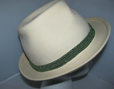 VINTAGE BUCHLER ABBAZIA-CORTINA CREAM COLORED FEDORA