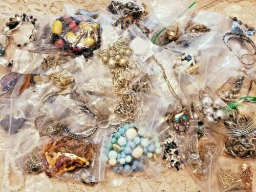 125+ Piece Vintage and Modern Junky Jewelry Necklace Lot