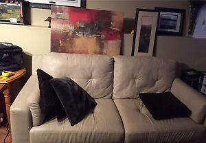 Leather couch Queen size 425.
