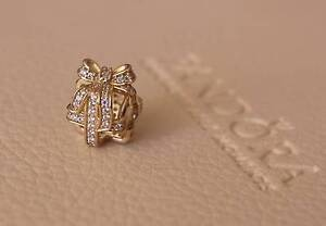 Genuine PANDORA 14ct gold 'All Wrapped Up' openwork charm Coalfalls Ipswich City Preview