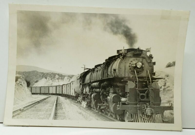 Locomotive No. 3821 Railroad Photograph AA07