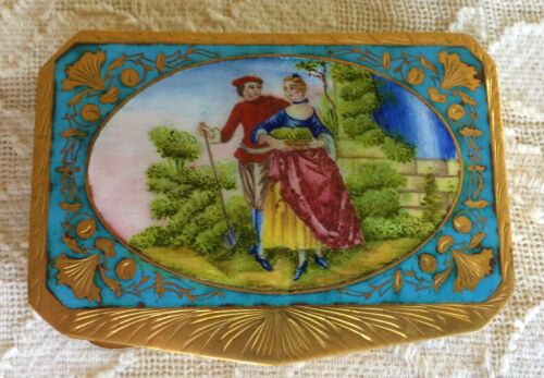 Painted Enamel COMPACT Victorian w/ Inlay ~ Vintage ~ Courting Scene