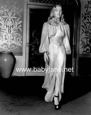 050 VERONICA LAKE CANDID WALKING IN FLOWING GOWN PHOTO