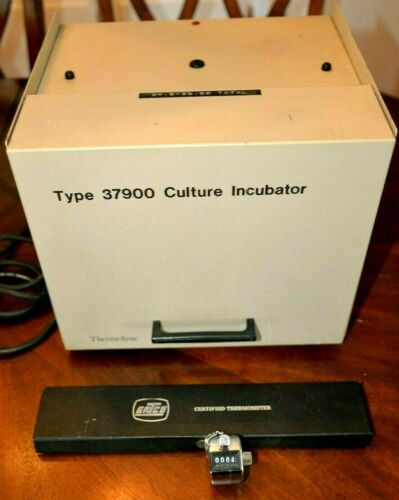 Thermolyne Type 37900 Culture Incubator w/Ertco Thermometer & Counter