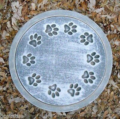 Dog paw prints mold stepping stone plastic mould (Paw Prints Rock)