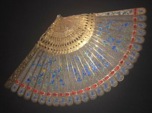 GREAT MUSEUM QUALITY ANTIQUE CHINESE GOLD GILT SILVER FILIGREE ENAMEL BRISE FAN