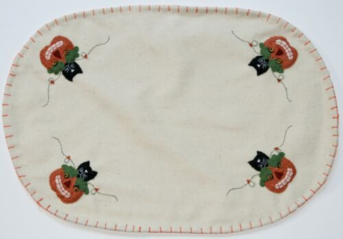 Hand Sewn Embroidered HALLOWEEN BLACK CAT PLACEMATS Set of 2 Fall Jack O Lantern