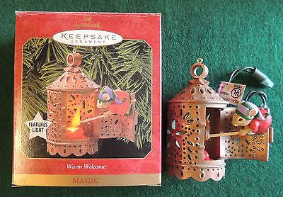 Warm Welcome Christmas Ornament Hallmark Keepsake Magic Light 1999 Mouse/Lantern