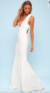 New- deep plunging Lulus evening gown size small