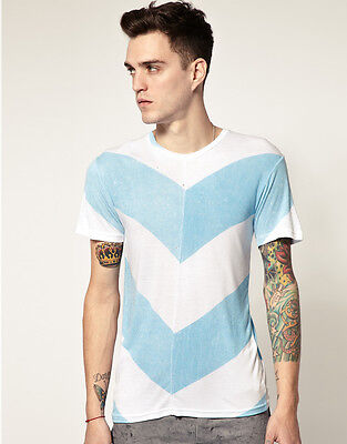 """HORACE GIANT CHEVRON T-SHIRT - SMALL (CHEST 36-38"""") - RRP £45 - LM190"""