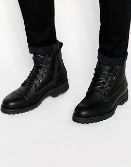 HUGO BOSS Black Leather Combat Boots - Size 7UK 8US 41EU