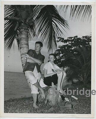 Errol Flynn w/ Bride Princess Ghika Of Romania Hot Sexy Couple 1949 Jamaica (Sexy Black And White Photos Of Couples)