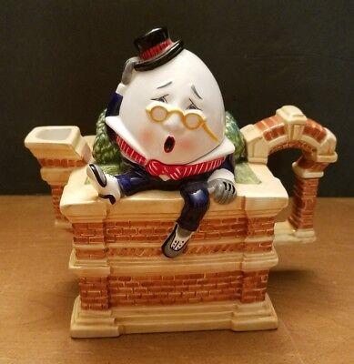 Rare Novelty Dept 56 Humpty Dumpty Hand Painted Ceramic Tea Pot