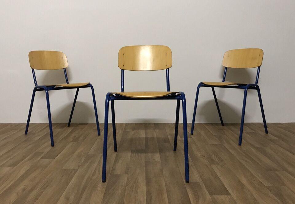 Gebrauchte Stühle Vintage Retro Stapelstühle Stühle Holz Blau Alt in Bruchköbel
