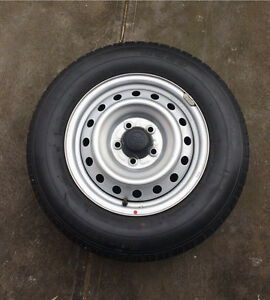 Toyota hilux 1 stock rim and tyre Fulham Gardens Charles Sturt Area Preview