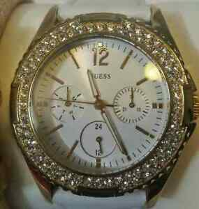 Ladies Guess watch with interchangeable bands London Ontario image 4