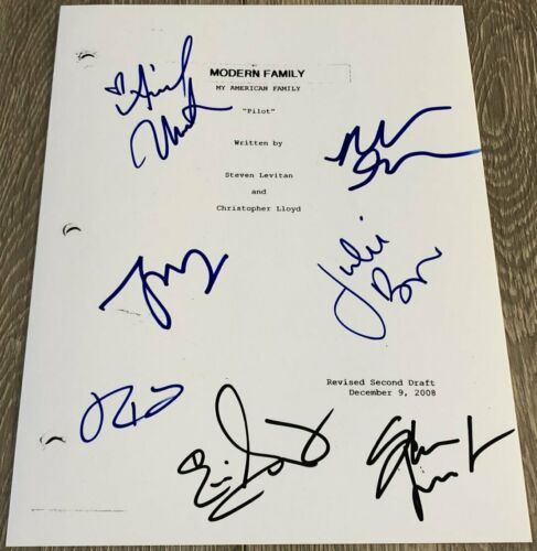 MODERN FAMILY CAST x7 SIGNED AUTOGRAPH 33 PAGE PILOT EPISODE SCRIPT wEXACT PROOF