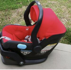 2016 UPPAbaby MESA infant car seat and base