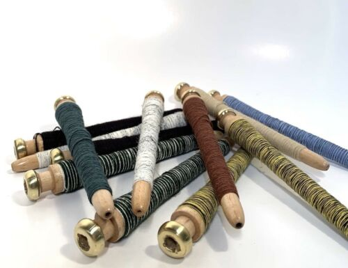 Threaded Bobbins~Spools~Spindles~Quills Vintage Primitive Wood Lot-12