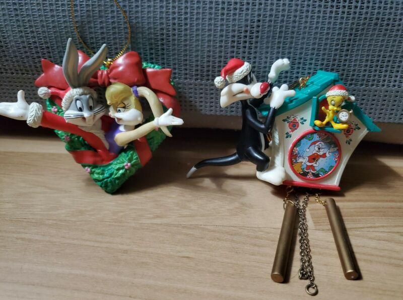 1998 Warner Bros Looney Tunes Christmas Clock and Christmas Wreath Ornament