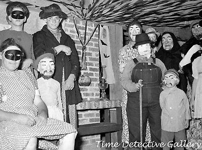 A Down Home Halloween - circa 1940 - Vintage Photo Print - Halloween 1940