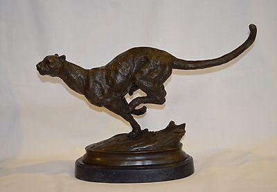 Statua bronzo felino in corsa al galoppo ghepardo base marmo firmato Milo