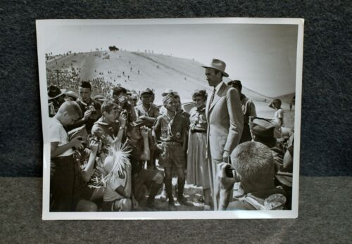 BSA PHOTO…7X9 JIMMY STEWART VISITING THE 1953 NATIONAL JAMBOREE…REVERSED IMAGE