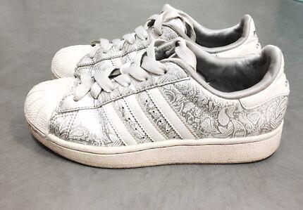 Adidas superstar nella regione di canberra, scarpe da donna gumtree
