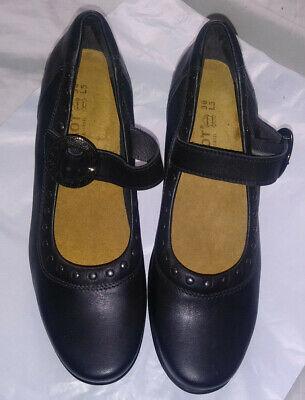 Naot  Womens size 36 US Sz 5 - 5.5 Black Leather  Mary Janes  Heels Dress Pumps