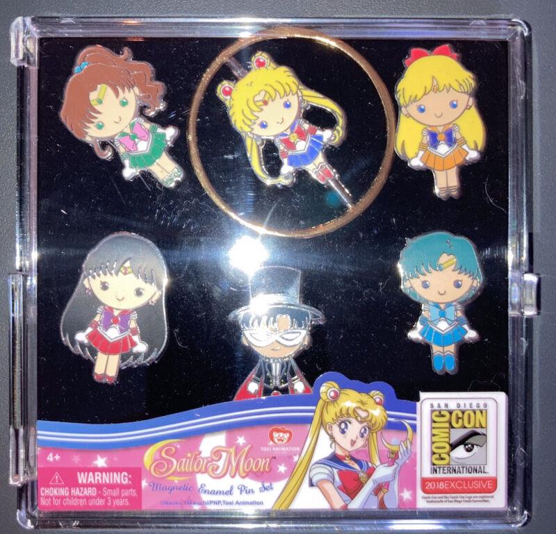 Sailor Moon SDCC 2018 Magnetic  Enamel Pin Set Exclusive Monogram New