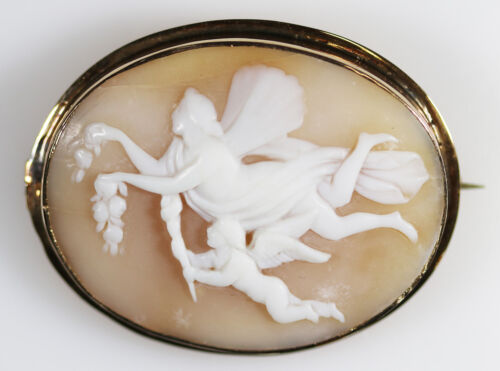 Antique Victorian 14Kt Gold Carved Cameo Brooch Cupid & Psyche