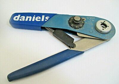 Daniels Mfr Afm8 Crimping Tool M225202-01 Crimper Serial S