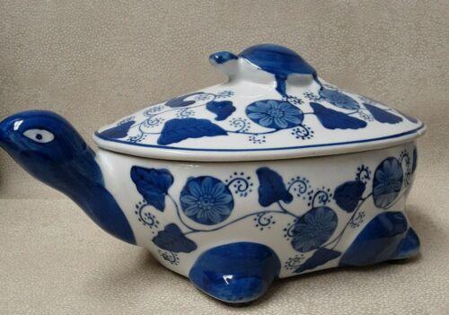 Piggyback Sea Turtles Candy Dish or Large Trinket Box Blue & White Ceramic EUC