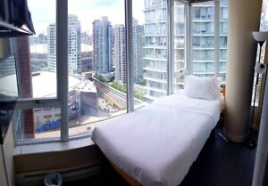 BEAUTIFUL SUNNY ROOM 4 RENT IN DOWNTOWN VANCOUVER. FURNISHED!