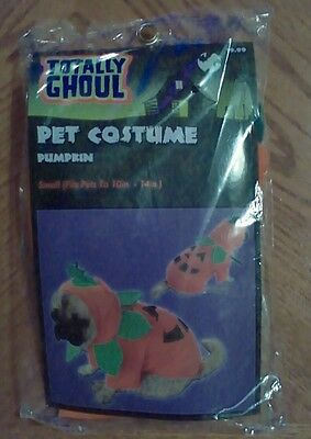 A Pumpkin Halloween Costume (Pet Halloween costume for a Dog -)