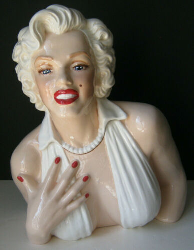 Happy Memories MARILYN MONROE Cookie Jar 315 of only 500 made. Fine Porcelain