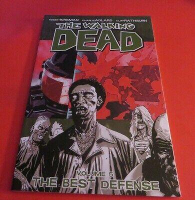 THE WALKING DEAD VOLUME 5 THE BEST DEFENSE TPB **FREE STICKERS HORROR (Walking Dead Best Walkers)