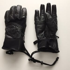 Brand New Leather Snowboarding/Winter Gloves (DC, size S)