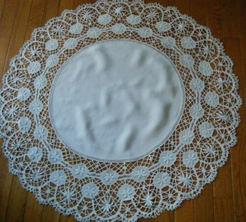 Old  vintage Tablecloth round shape trimed with large border lace Engllish