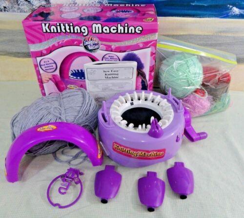 Childrens Sew Easy KNITTING MACHINE w/BONUS YARN