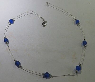 Collier en câble plaqué argent ras du cou avec perles bleu fontaine