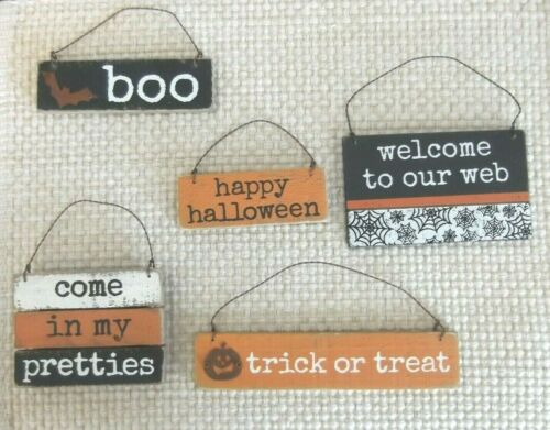 5 Different Wooden Halloween sign ornaments, primitive & rustic NWT