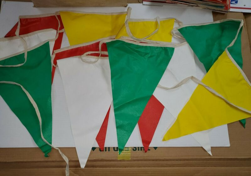 1950s/1960s Sinclair Gas Station pennant string by Chicago Show Printing Company