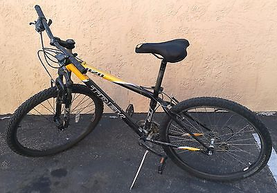 0f82c588628 BICYCLE / 820 TREK YELLOW COLORED BIKE / GOOD CONDITION