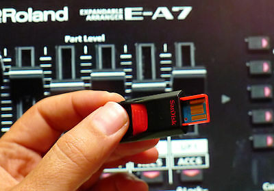 usb pen drive 13.000 styles & tons of karaoke midi songs for Roland EA7 E A7 comprar usado  Enviando para Brazil