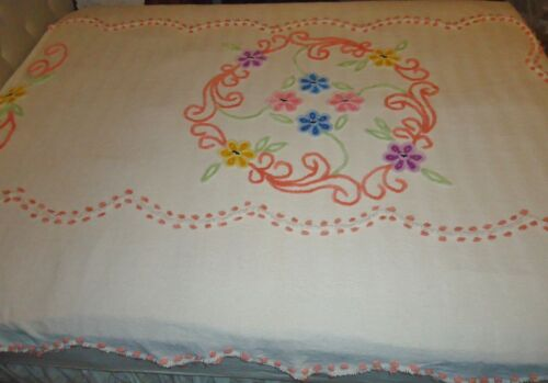 """Vintage Cotton Chenille Bedspread Twin Full 82X110"""" White Floral Scroll BEAUTY!"""