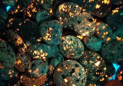 1 SWEET Yooperlite! Fluorescent SODALITE WHOLE ROCK, not machine tumbled sliver.
