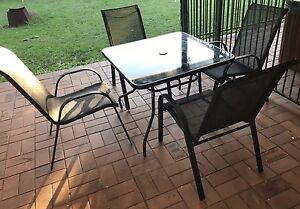 5 piece outdoor setting Ormiston Redland Area Preview