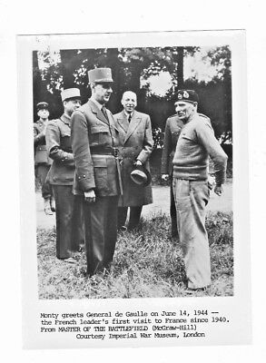 1944 NEWS PHOTO WWII FRANCE GENERAL DE GAULLE AND FIELD GENERAL MONTGOMERY #1/3