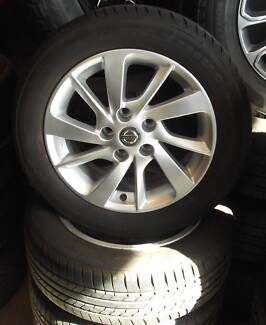 """Nissan Pulsar Factory 16"""" Alloys With Maxtrek Tyres"""